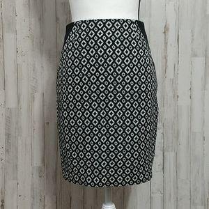 Worthington Petite Black & White Pencil Skirt